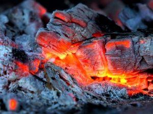 горячий уголь