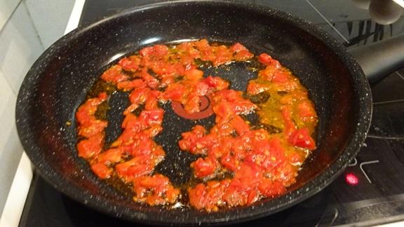 kak-prigotovit-jaichnizy-s-pomidorami-vkysno3