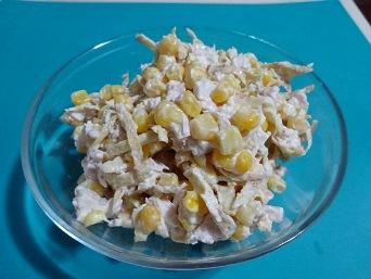 Салат из яичных блинов и курицы. Четыре рецепта