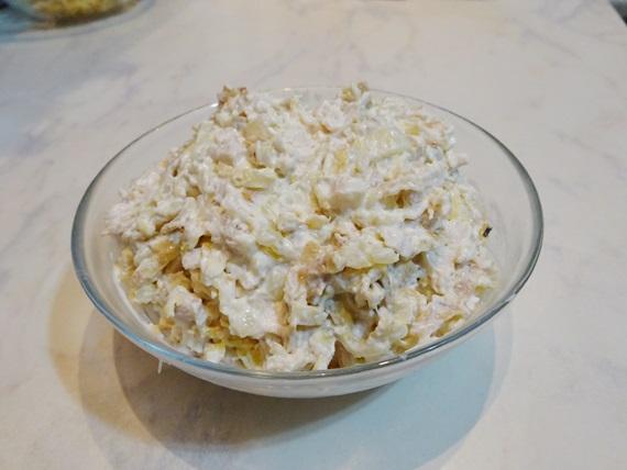 salat-iz-jaichnih-blinov