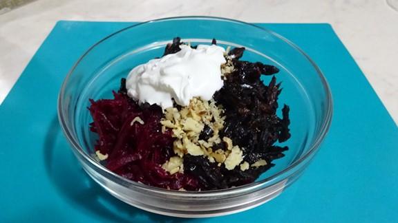salat-iz-svekly-s-gretskimi-orehami